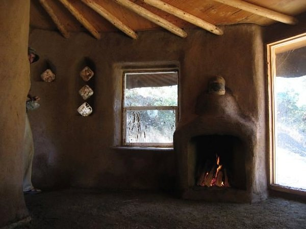 10 Amazing Houses Made of Dirt and Straw